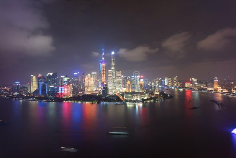 Van de de nachtscène van Lujiazuipudong Puxi Shanghai China huangpurivier stock afbeeldingen