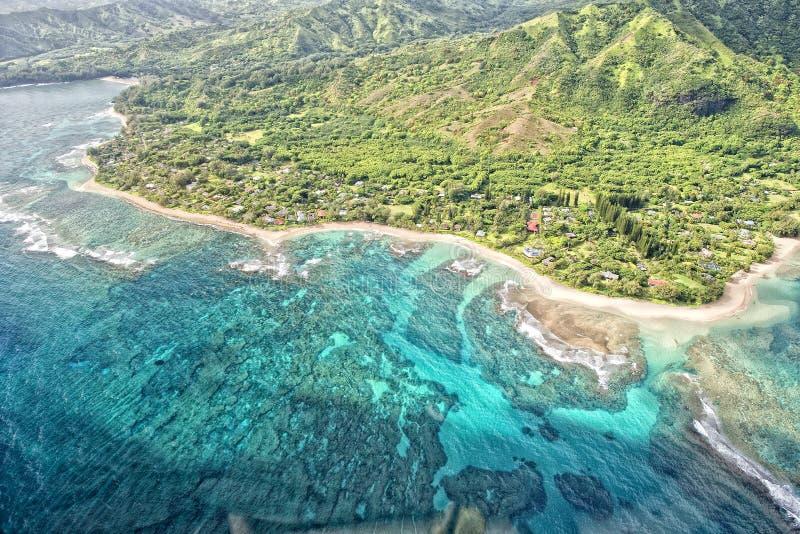 Van de napalikust van Kauai de luchtmening stock foto