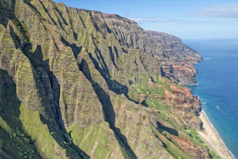 Van de napalikust van Kauai de luchtmening stock fotografie