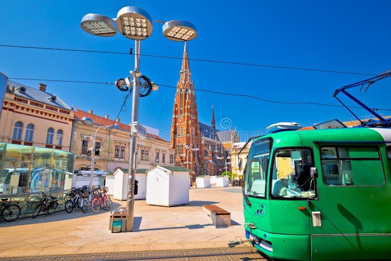 Van de Osijek belangrijkst vierkant kathedraal en tram standpunt stock fotografie