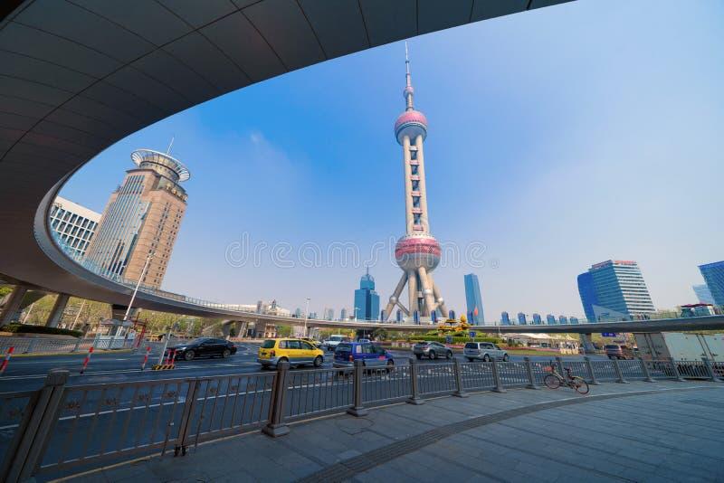 Van de pareltv van Shanghai de Oosterse de torenbouw in horizon de Van de binnenstad van Shanghai, China Financi?le districts en  stock foto's