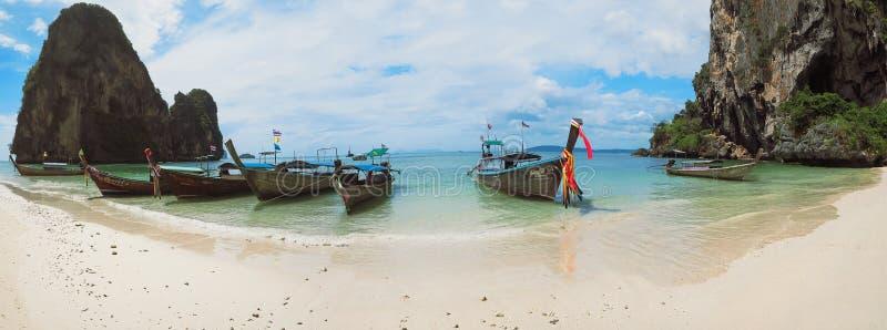 Van de provinciephra Nang van Thailand Krabi van het strandrailay de botenpanorama royalty-vrije stock afbeelding