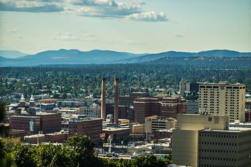 Van de stadshorizon en Spokane van Spokane Washington valleimeningen stock foto's