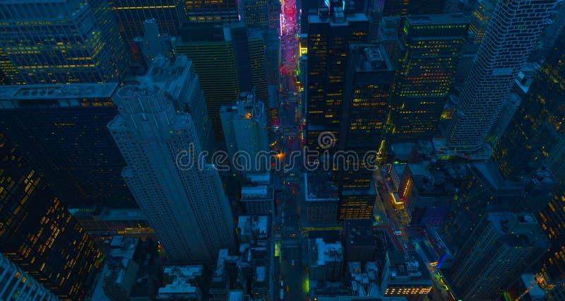Van de Stadsmanhattan de V.S. van New York uit het stadscentrum lucht het panoramamening met wolkenkrabbers en blauwe hemel De V. stock foto's