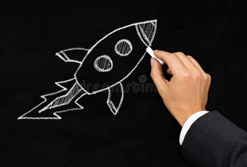 Van de start of innovatie het concept rakettekening royalty-vrije stock afbeelding