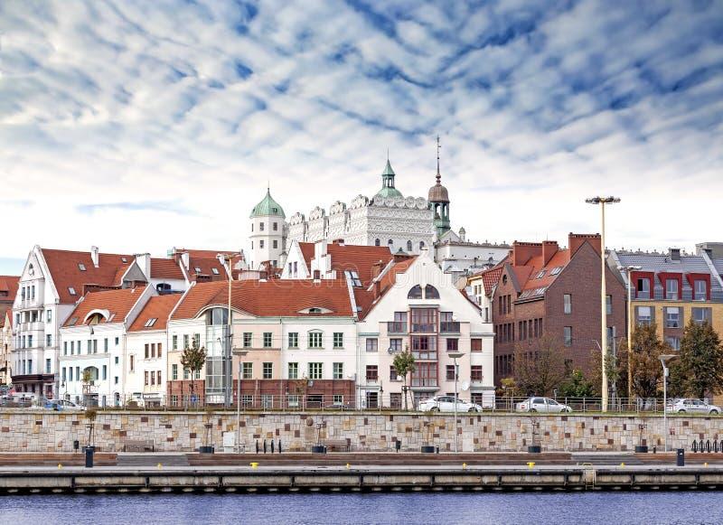 Van de Szczecin (Stettin) Stad de oude stad, rivieroevermening, Polen royalty-vrije stock foto