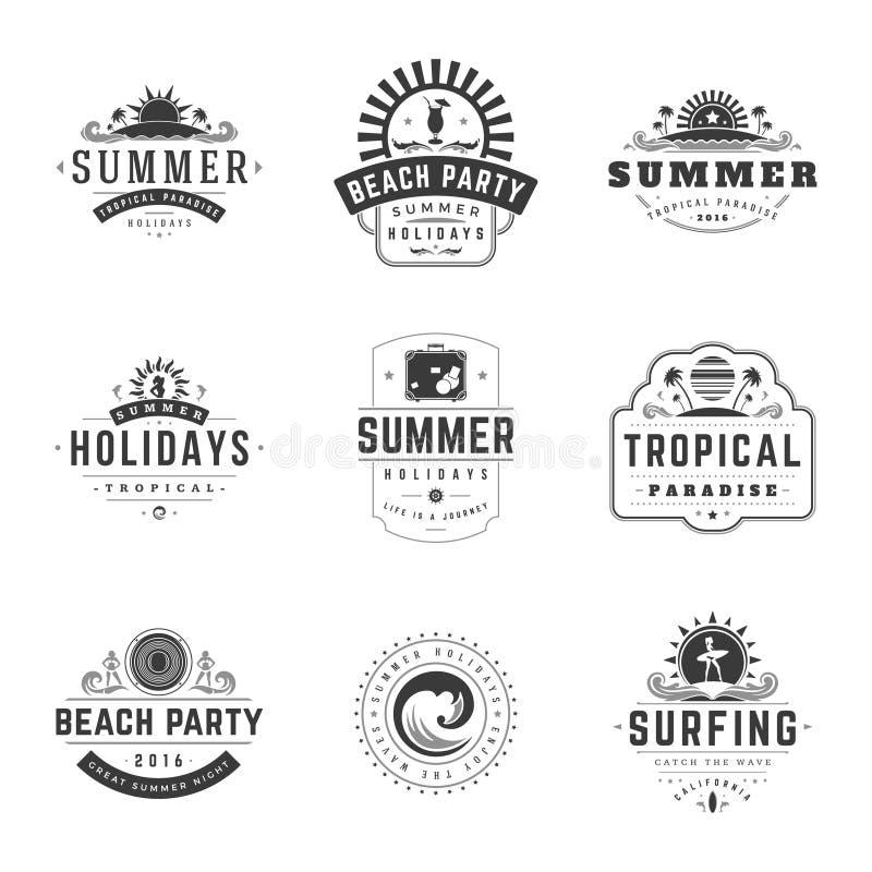 Van de Typografieetiketten of Kentekens van de de zomervakantie Vectorontwerp stock illustratie