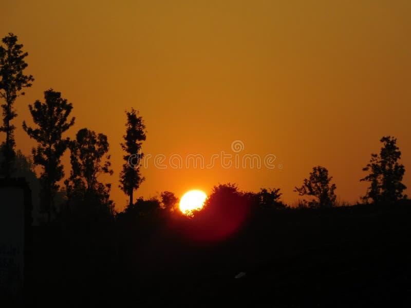 Van de de vakantieaard van de zonsondergangavond van de het haarlokheuvel mooie oranje van de de bergzon araku van de de reisreis royalty-vrije stock foto