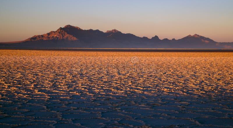Van de Vlaktenutah van zonsondergangbonneville Zoute Zilveren het Eilandbergketen stock fotografie