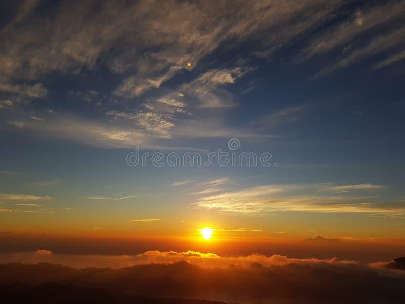 Van de de vulkaandag van zonsondergangbali het mooie unic perfecte asomeleven royalty-vrije stock foto's