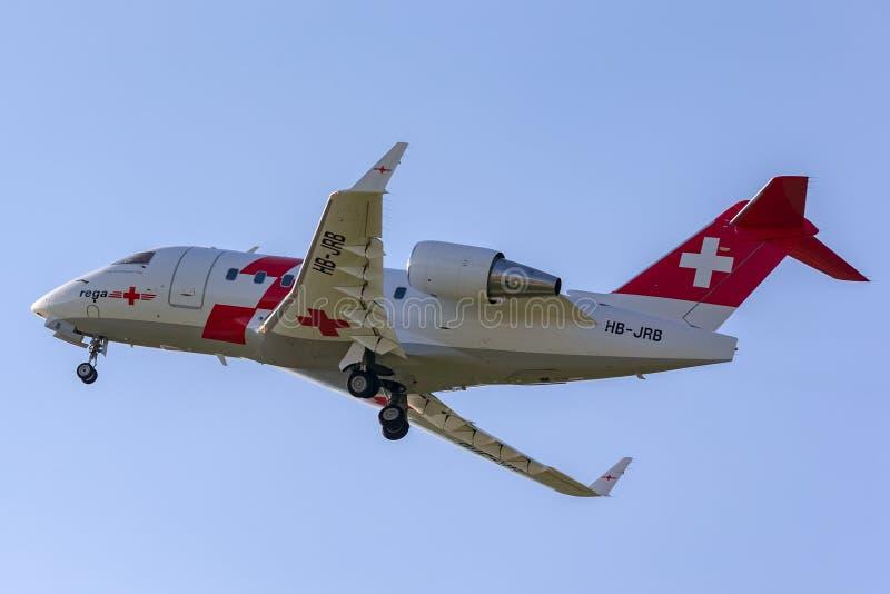 Van de Ziekenwagenbombardier challenger CL604 van REGA Swiss Air de vliegtuigen hb-JRB royalty-vrije stock fotografie