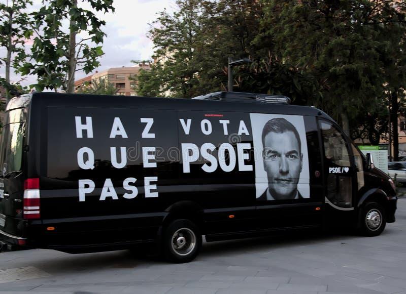 Van estampó con estarcido con la propaganda electoral del PSOE foto de archivo libre de regalías