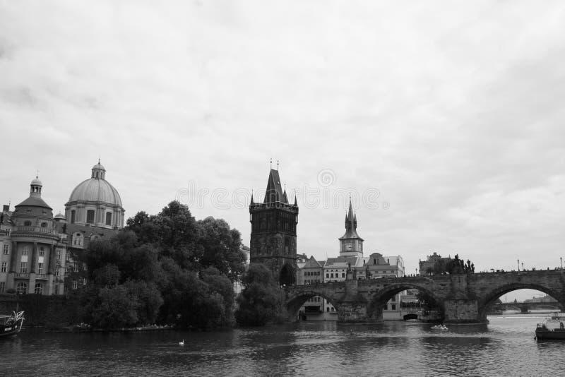 Van het de brugwater van Charles van de Vltavarivier van de czechia Tsjechische republiek de reis Europa stock foto's