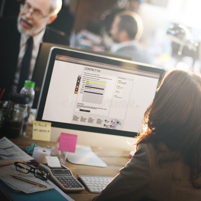 Van het de Dienst bedriegt de Werkende Bureau van de steunklant Online Mededeling stock afbeeldingen
