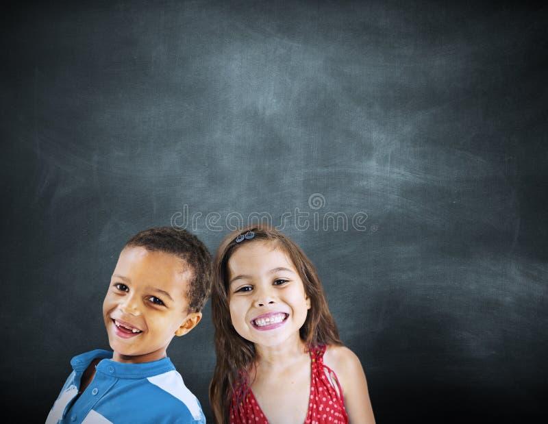 Van het de Diversiteitsonderwijs van kinderenjonge geitjes het Geluk Vrolijk Concept stock afbeelding