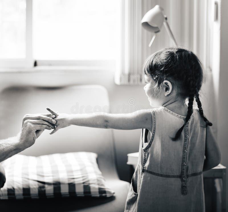 Van het de Dochtermeisje van kinderenkinderjaren de Familieconcept stock foto
