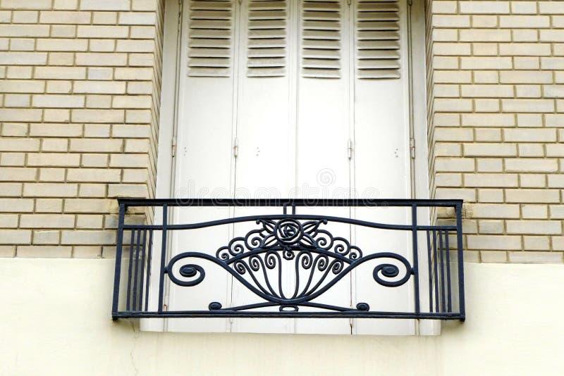 Van het de flatbalkon van Parijs Montmarte de stijl van Art Nouveau royalty-vrije stock foto's