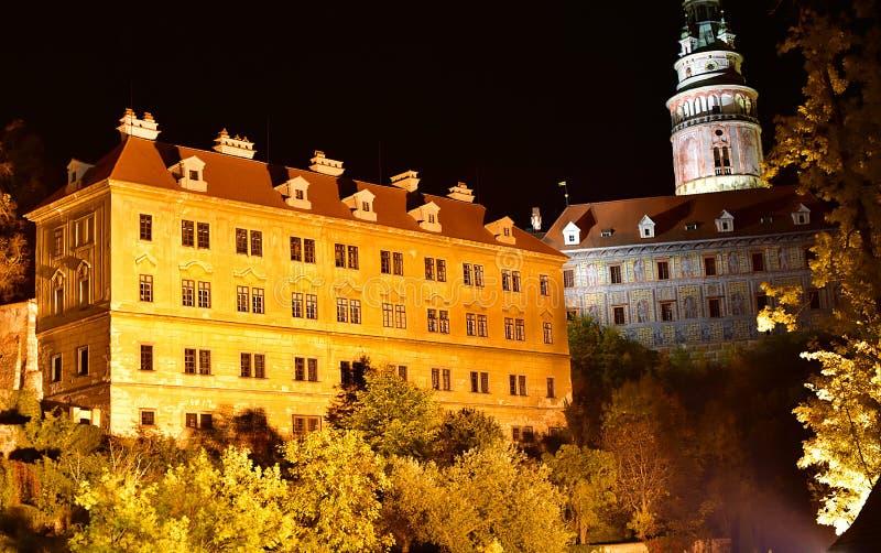 Van het de Kerkkasteel van Ceskykrumlov de de Nachtherfst royalty-vrije stock foto's