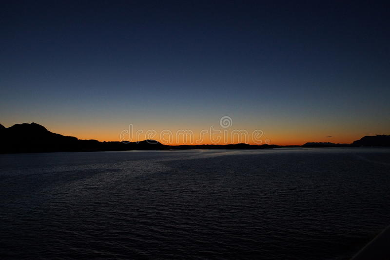 Van het de kustlandschap van Noorwegen 's nachts mening 10 royalty-vrije stock foto's
