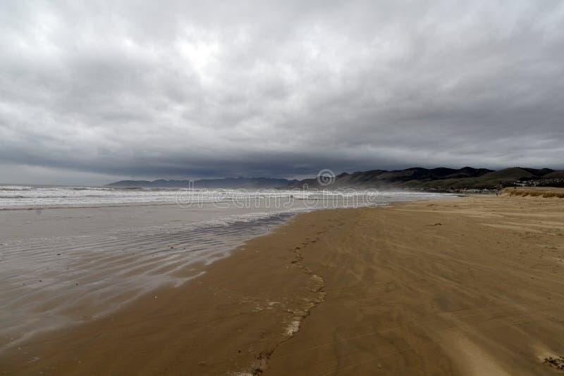 Van het de kuststrand van Californië het centrale slechte weer Pismostrand, de V.S. stock fotografie