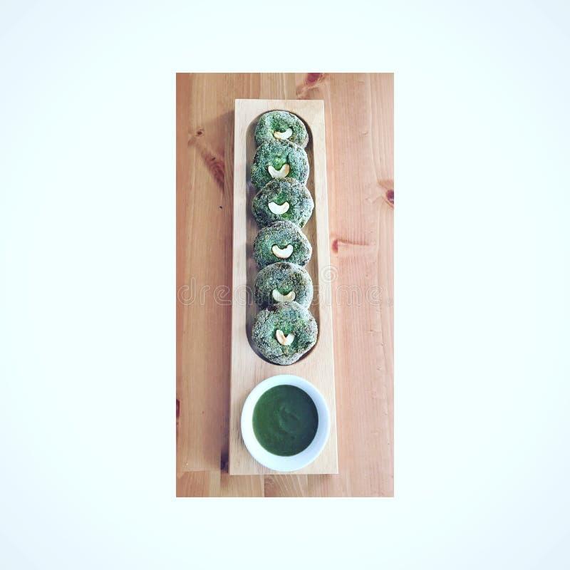 Van het de liefdevoedsel van Harabharakababkebabs groene gezonde van het de cachouchutney foodie de sausschotel royalty-vrije stock foto