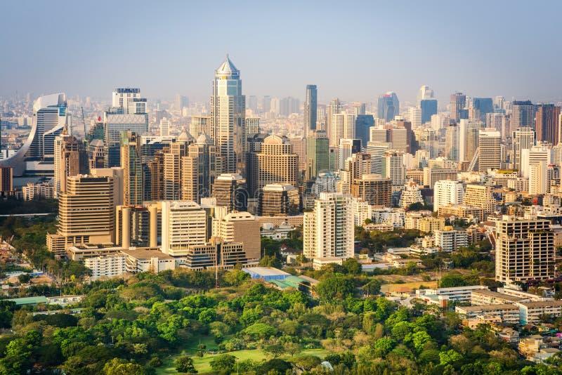 Van het de stadsbureau van Bangkok de gebouwen en de flatmening vanaf dakbovenkant stock afbeeldingen