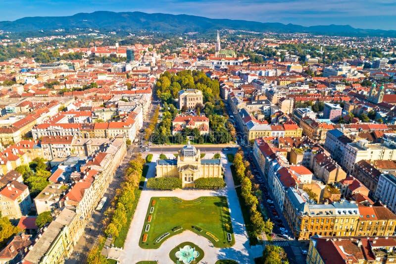 Van het de stadscentrum van Zagreb de historische luchtmening stock afbeeldingen