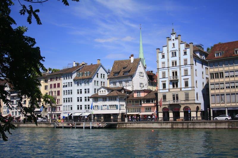 Van het de stadswater van Zürich het vooraanzicht stock afbeelding