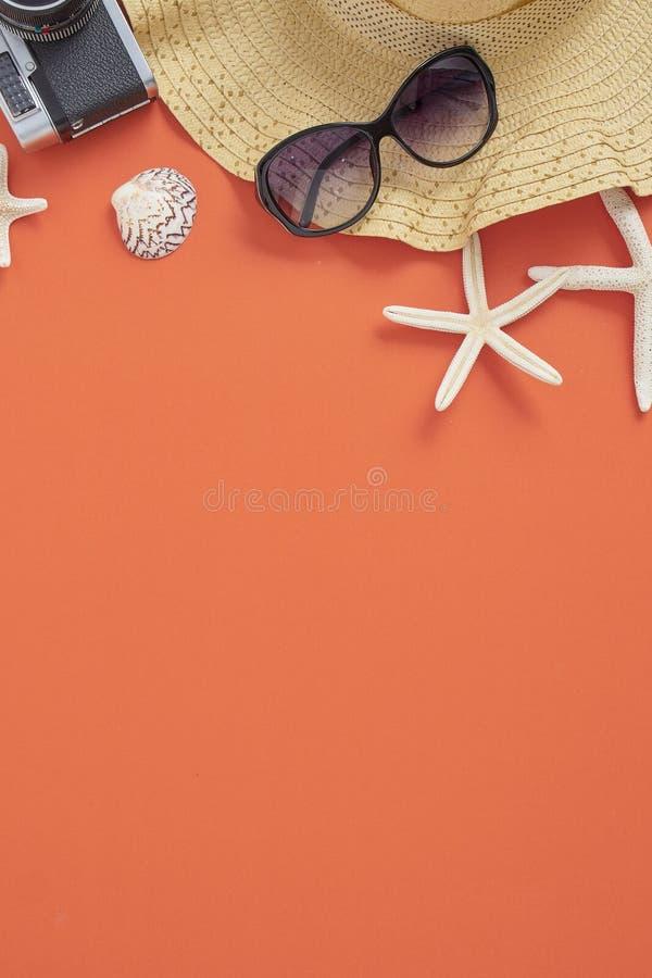 Van het de vakantieconcept van de de zomervakantie de oranje achtergrond stock afbeelding