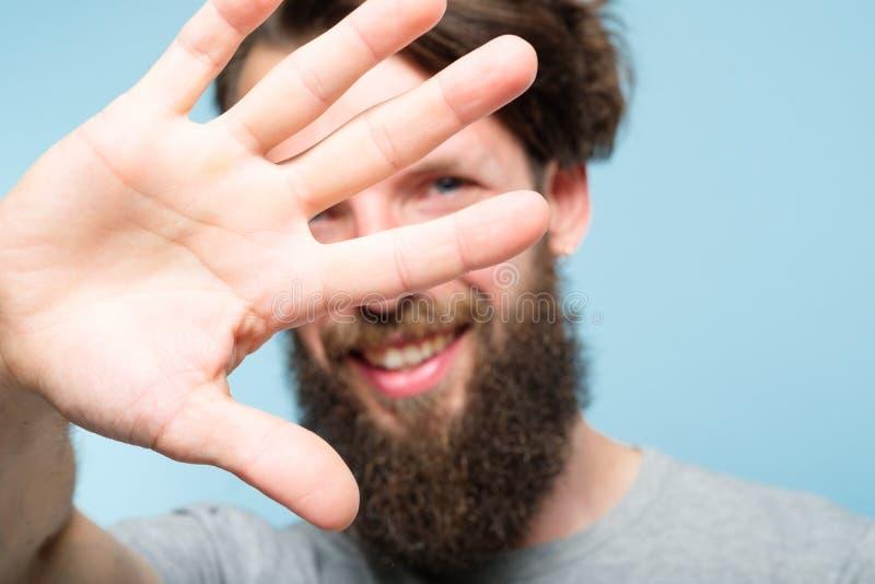 Van het het gezichtsprivé-leven van de mensendekking de weigeringshand het verbergen stock fotografie