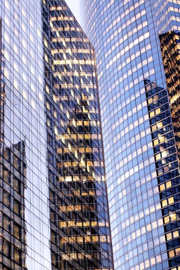 Van het glasvoorgevels van bureaustorens de defensie van Bedrijfs La van Parijs district stock foto