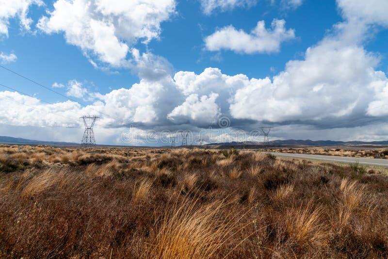 Van het het Noordeneiland van de woestijnweg het land en de wolk scapes royalty-vrije stock afbeelding