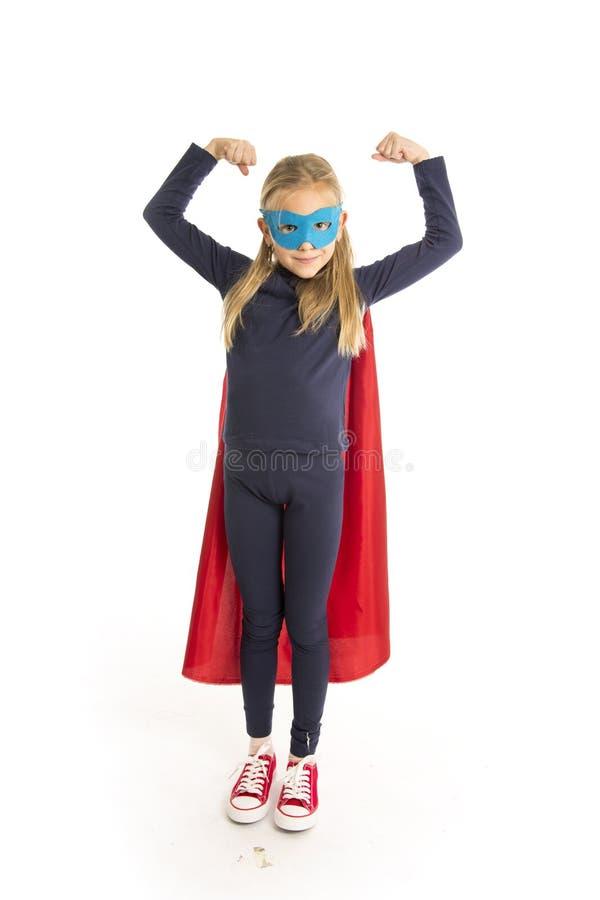 7 of 8 van het oude jonge vrouwelijke schoolmeisjejaar kind in het super heldenkostuum gelukkig en opgewekt presteren geïsoleerd  royalty-vrije stock foto's