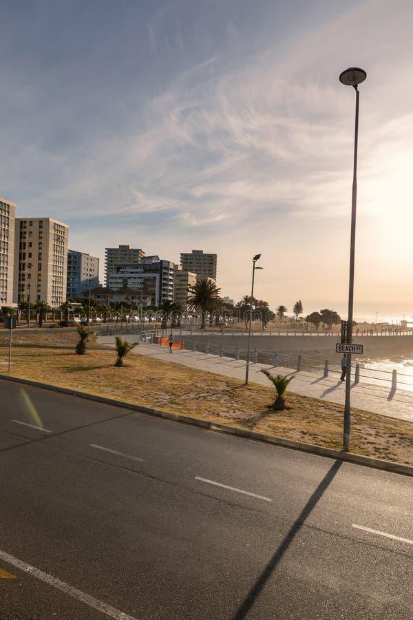 Van het overzeese de straten en de dijkzonsondergangmening puntdistrict, Cape Town royalty-vrije stock foto's