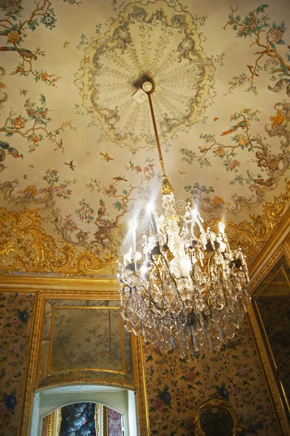 Van het paleisstupinigi van Italië Turijn het koninklijke binnenlandse die kabinet in oosterse motieven wordt verfraaid royalty-vrije stock afbeelding
