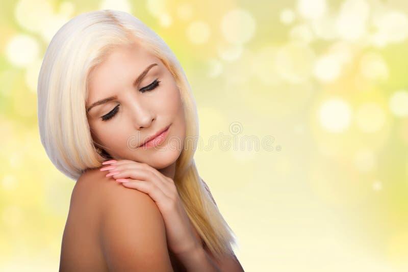 Van het skincareconcept van de estheticaschoonheid gezichts de vrouwengezicht stock foto's