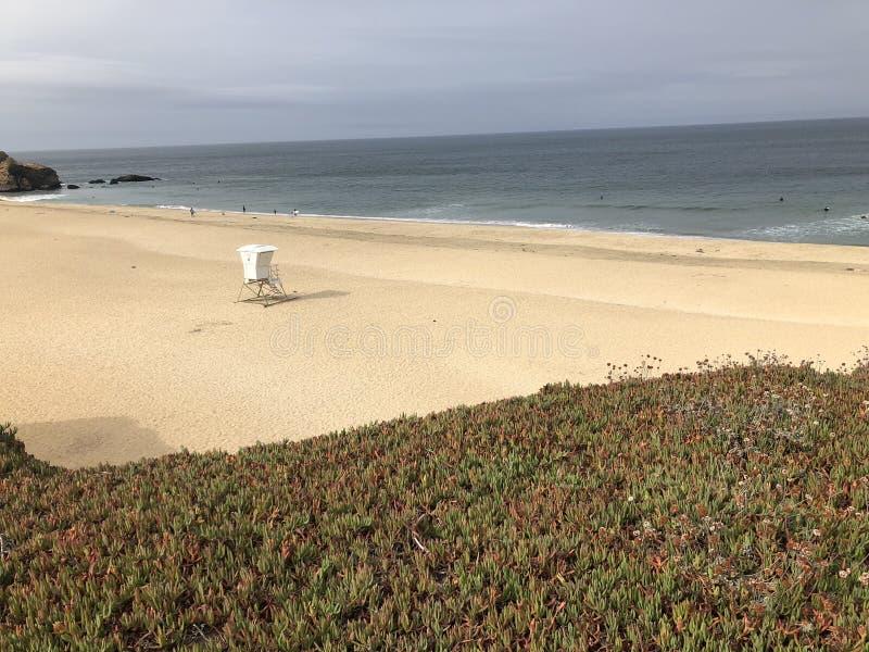 Van het strandcalifornië van de Montarastaat de vaten van de staat in de binnenkommen stock foto's