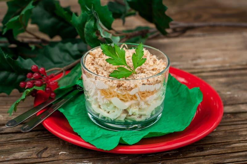 Van het van de van Kerstmiskip, Apple, Kaas en Ei Salade Gelaagd met Mayo stock afbeeldingen