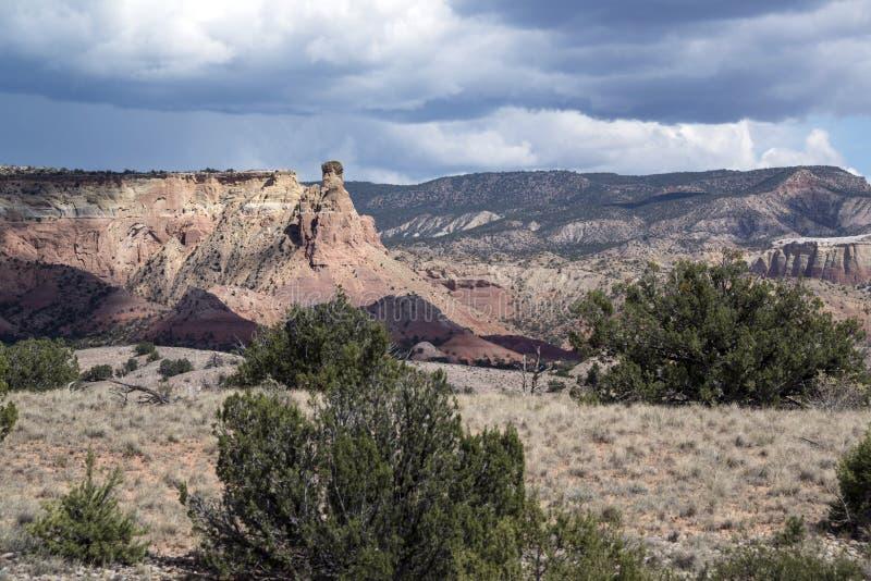 Van het het zuidwestenzandsteen van woestijnmesa de rotsvormingen in Noordelijk centraal New Mexico royalty-vrije stock foto's