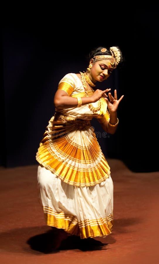 Van Mohiniyattam (Dans van de tovenares) de uitvoerder royalty-vrije stock foto