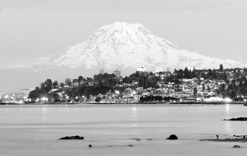 Van Noord- MT Rainier Sunset Cascade Range Puget Correct Tacoma stock foto's