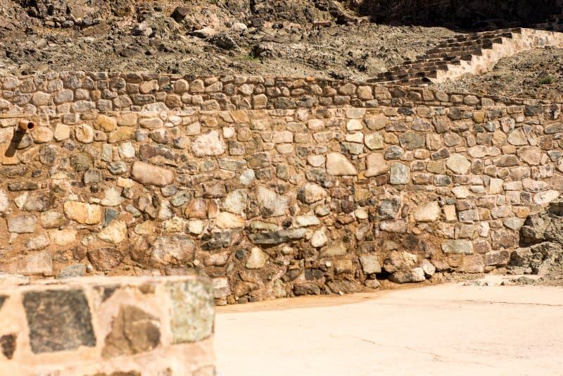 Van rotsenmuren en treden oud fort beroemd voor bouw oude die architectuur voor binnenland en buitenkanten wordt gebruikt stock fotografie