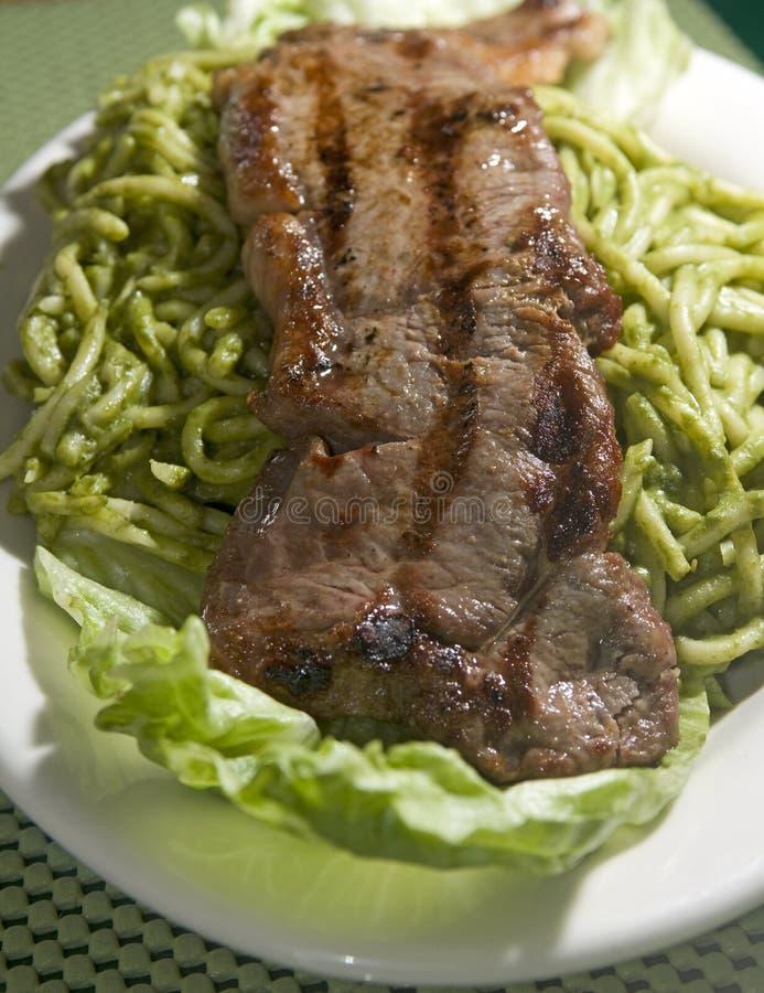 Van tallarinsaltado van de spaghetti het lapje vlees Peruviaans voedsel stock foto's