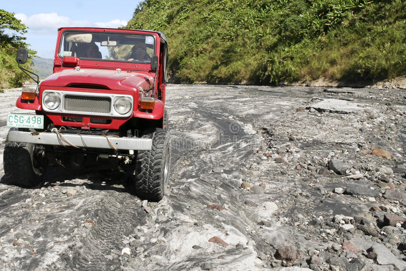 Van weg die MT-pinatubo Filippijnen drijven stock afbeelding