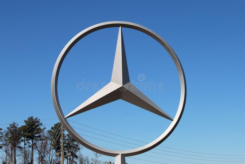 VANCE, AL-CIRCA ЯНВАРЬ 2015: Benz Мерседес начинал продукцию своего нового седана класса c на комплексе Алабамы изготовляя стоковая фотография rf