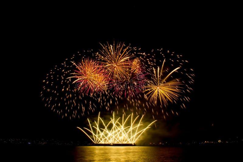 Vancouver, BC C Het de zomervuurwerk toont Veelkleurig Vuurwerk royalty-vrije stock foto's