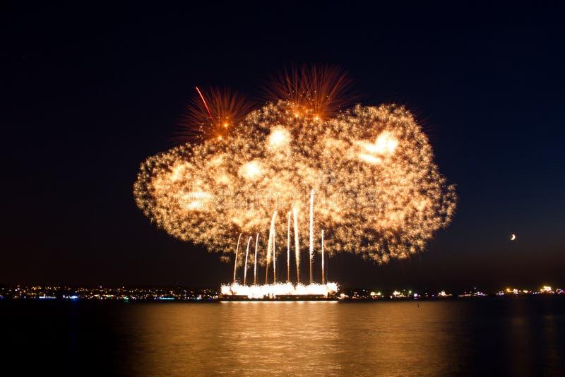 Vancouver, BC C Het de zomervuurwerk toont Veelkleurig Vuurwerk stock foto's
