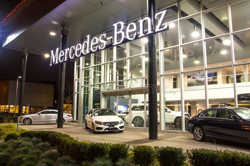 Vancouver BC, Kanada - 9. Januar 2018: Büro des offiziellen Händlers Mercedes-Benz SEPTEMBER: Bild des Mercedes Benz-Logos auf de stockbild