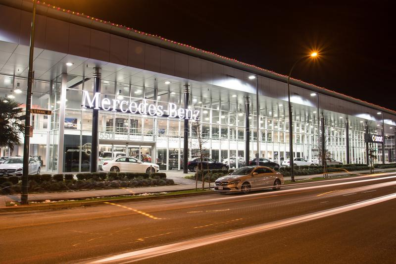 Vancouver BC, Kanada - 9. Januar 2018: Büro des offiziellen Händlers Mercedes-Benz SEPTEMBER: Bild des Mercedes Benz-Logos auf de lizenzfreies stockbild