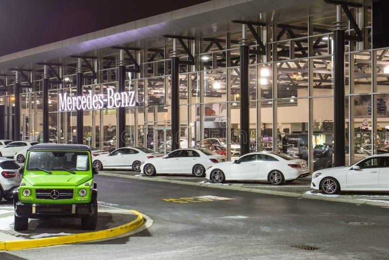 Vancouver BC, Kanada - 9. Januar 2018: Büro des offiziellen Händlers Mercedes-Benz SEPTEMBER: Bild des Mercedes Benz-Logos auf de lizenzfreies stockfoto